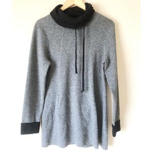 Cynthia rowley large grey and black sweater